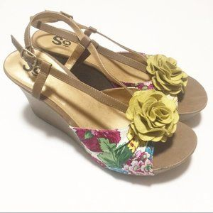 SO Size 7M Chartreuse Floral Wedge Sandals